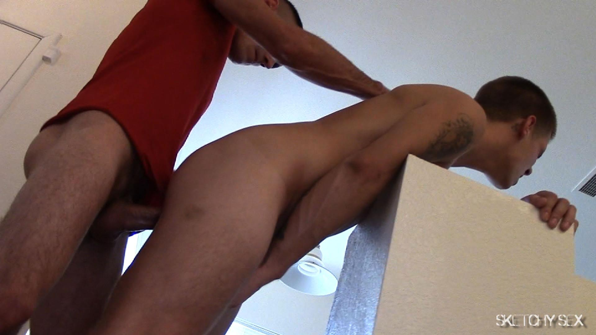 """Sketchy-Sex-Nate-Getting-Fucked-Bareback-By-A-10-Inch-Craigslist-Cock-Amateur-Gay-Porn-06 Taking A 10"""" Craigslist Cock Bareback While The Roommate Watches"""