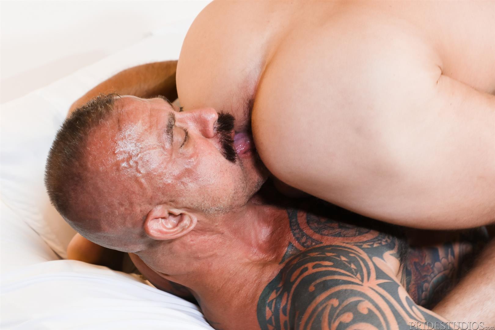 Men-Over-30-Jon-Galt-and-Sean-Harding-Muscle-Daddy-Barebacking-Muscle-Cub-08 Muscle Daddy Jon Galt And Muscle Cub Sean Harding Bareback Flipping
